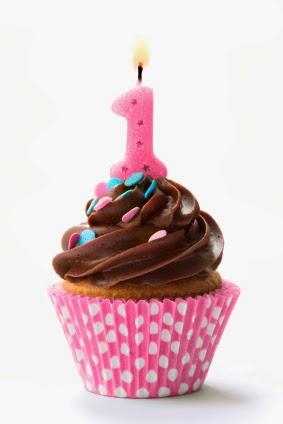 elyce attache tetine personnalisé un an anniversaire